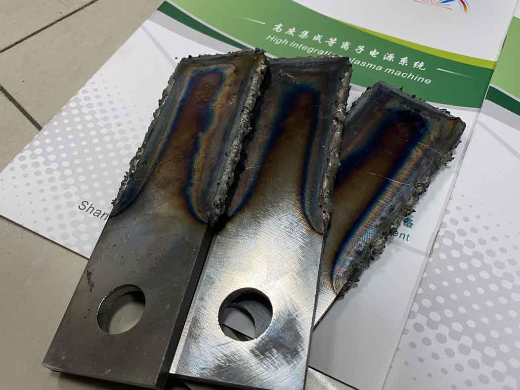 大颗粒堆焊粉碎锤片案例图片